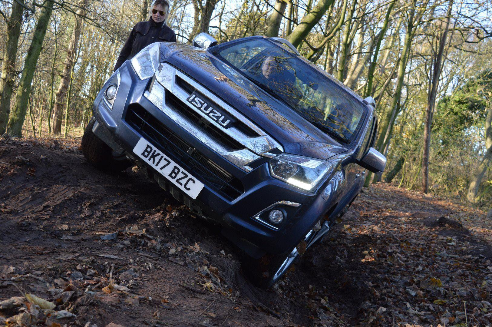 ISUZU D-MAX TRIUMPHS AT THE PROFESSIONAL PICKUP & 4X4 AWARDS